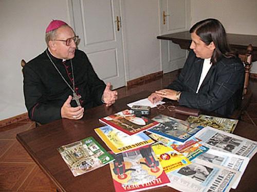 Митрополит Кондрусевич благословил сотрудников католических журналов